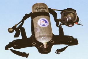 Positive pressure breathing apparatus