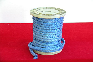 UHMWPE rope with small diameter